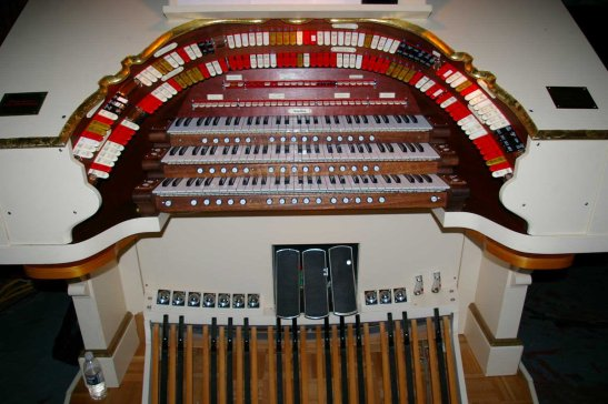 Hollywood Theatre pipe organ